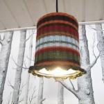 Peltipurkista ja paidanhihasta lampuksi