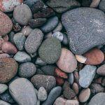 Antaudu kuin kivi