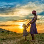 Miten opin olemaan itselleni sellainen äiti, jota olisin lapsena kaivannut?