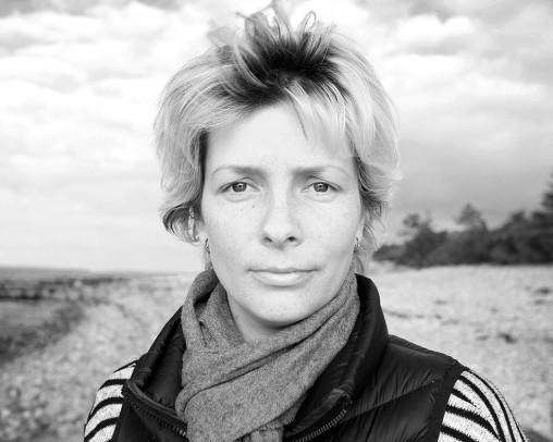 "Sofiya, valokuvatarina 6/9. – Dronningmølle, Denmark. Latitude56° 5' 52.49""N. Longitude 12° 23' 6.85""E"