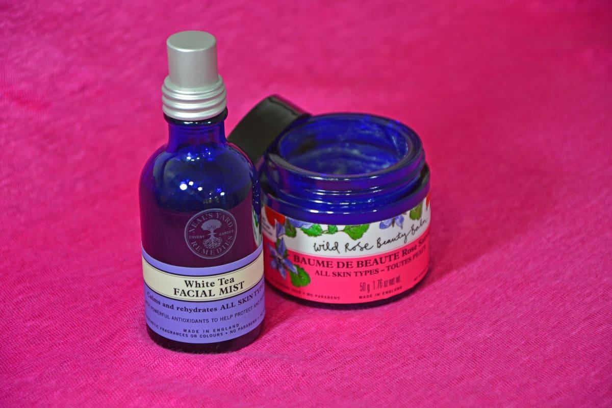 Neal's Yard Remedies -tuotteita