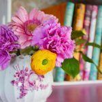 Kirjoista kauneutta mieleen ja kirjahyllyyn