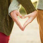 Rakkaus vai parisuhde – kumpaa etsin, ja onko niillä edes eroa?