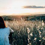 Suomessakin johdetaan mindfulnessia hyödyntäen – nämä 4 oppia ovat apuna!