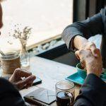 Valoisasti töissä – outoa vai uusi normi?
