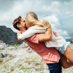 Rakastumisen huumasta rakastamisen taitoon – 3 tapaa puhua parisuhde paremmaksi