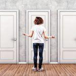 Onko sinunkin vaikea tehdä valintoja? – Siirry ajelehtimisesta oman elämäsi ohjaksiin