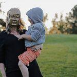 Riittämättömyyden tunne on seurausta siitä, miten meitä on kohdeltu lapsena ja nuorena