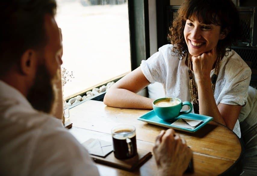 hauskoja asioita kirjoittaa itsestäsi dating site SKOUT App dating