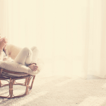 Näin päästät irti kiireestä ja hiljennät ylikierrokset – Haahuile itsesi rentoon lomatunnelmaan