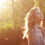 Sinun ei tarvitse tulla täydellisen ehjäksi – voit olla yhtä aikaa hajalla, kokonainen ja onnellinen