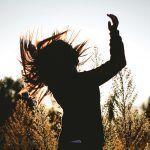 Hyvä olo tuntuu päässä, kropassa ja syvällä sydämessä – 7 harjoitusta, jotka tuovat arkeesi rauhaa ja hyvää oloa
