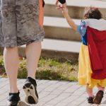 Äiti on hyvä mutta äitipuoli paha? – Uusperheissä elävät myytit voivat tuottaa paljon tuskaa ja estää läheisyyden
