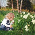Erityisherkkä lapsi yrittää sopeutua – ja usein väsyy tai kadottaa vahvuutensa