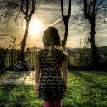 Kun lapsen vaikeudelle ei jää tilaa, seuraukset voivat ovat pitkäkestoiset – Oma tarinani
