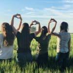 Mitä elämä olisikaan ilman sielun siskoja – 6 voima-ajatusta naiselta naiselle