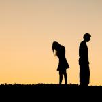 Miten irtaantua suhteesta joka ei tee itselle hyvää? Huomioi nämä 8 asiaa