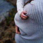 Miten auttaa lasta kohtaamaan surua?