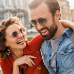 Haluatko lisää kipinää kohtaamisiin?  –  Elokuvatähden katse ja 4 muuta vinkkiä flirttailun saloihin